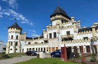 Exkluzivní hotel ve Znojmě, 27 pokojů, 2 restaurace, pozemky 5.855m2
