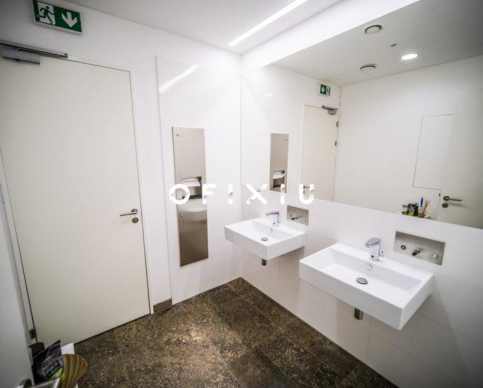 WC gastro budova F