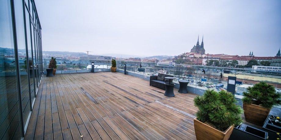 Pronájem prémiových kancelářských prostor o ploše 216 m² + terasa 78 m² v Triniti office center
