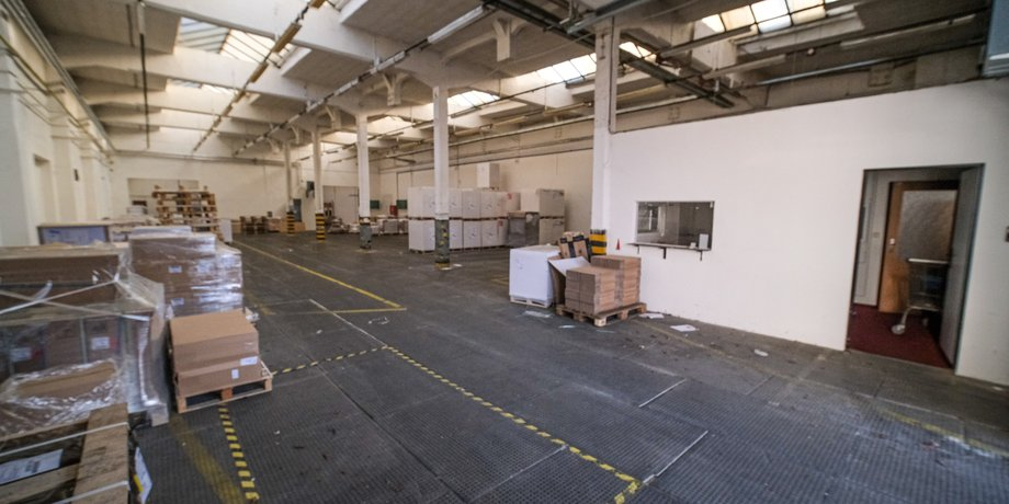 Lease of warehouse space with an area of 926 m² on Valchařská Street