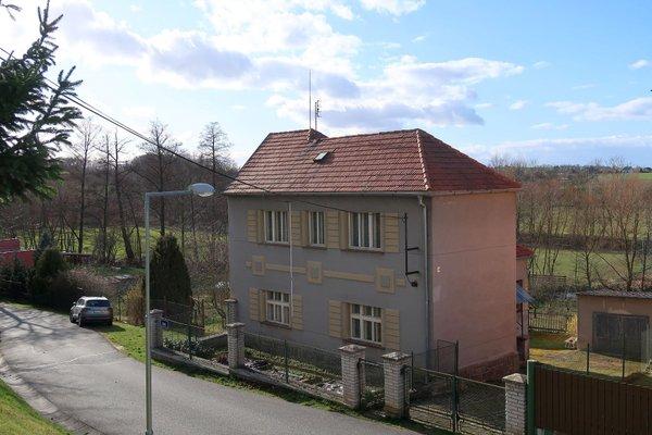 Rodinný dům 5+1 s pozemkem 998 m2 ve Štěnovicích u Plzně
