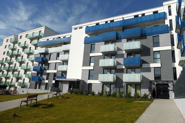 Novostavba bytu 2+kk o velikosti 46 m2 s prostorným balkonem 10 m2 a parkováním v širším centru města Plzně