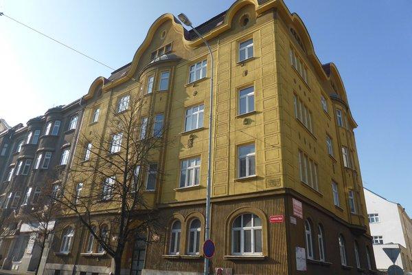 Prostorný byt o dispozici 3+1 a výměře 80 m2 v Plzni na Borech.