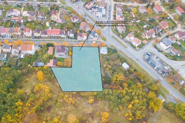 Komerční pozemky určené pro stavbu bytového domu, rodinných domů nebo sídla firmy v Plzni