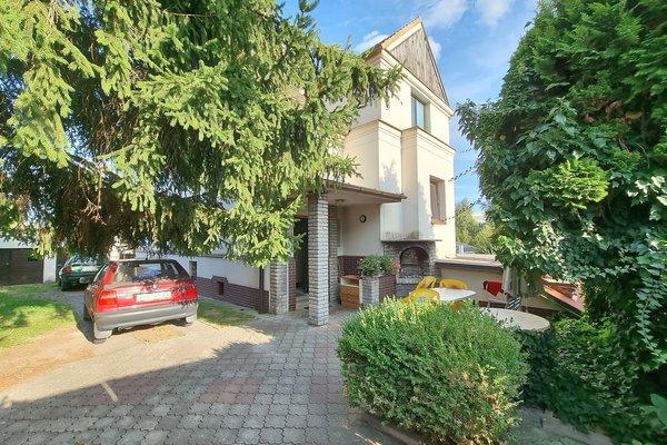 Pronájem bytu 4+kk v  rodinném domě se zahradou a garáží v Plzni