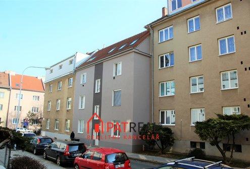 Prodej prostorného bytu 3+1 se střešní terasou a garáží - Brno-Královo Pole