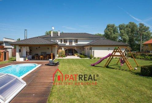 Luxusní vila Syrovice, 422m2, pozemek 2.273 m²