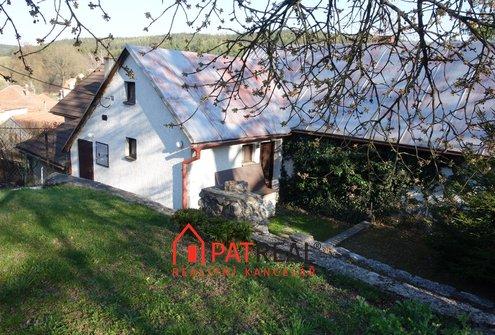 Rodinný dům v krásném prostředí v Ostrově u Macochy, pozemek 280 m²