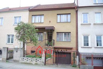 Prodej, Rodinné domy, 280m² - Brno - Černovice, pozemek 323 m²