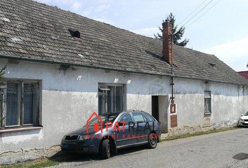 Prodej rodinného domu na pozemku 1255m2 s vjezdem a zahradou v dosahu Brna, pozemek 1.255 m²