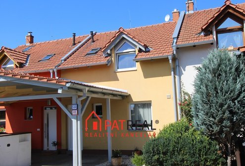 RD 3+kk Moravany, 2x parkovací stání, pozemek 118 m²