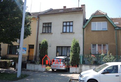 RD 5+3 v Řečkovicích, parkovací stání, zahrada, sklep, pozemek 430 m²