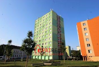 Pronájem bytu 3+1 66m2,šatna, výtah, balkon, zařízený, v centru Brna