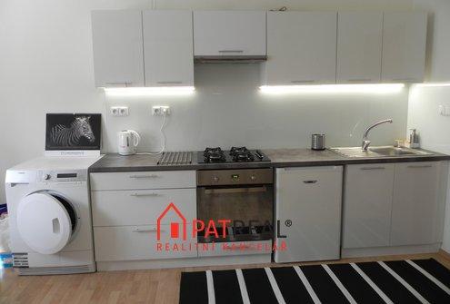 Pronájem prostorného bytu 2+kk, 60m² - Brno - Královo Pole