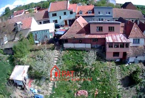 RD 4+1, ke kompletní rekonstrukci, pozemek 532 m²