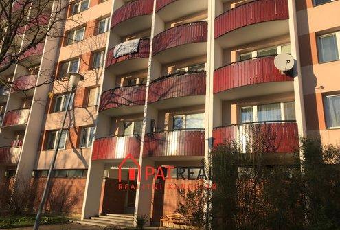 Podnájem bytu 1+1 s balkonem, 37 m2