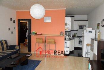 Pronájem bytu 2+kk se zaskl. lodžií, 50m², Brno -  Starý Lískovec