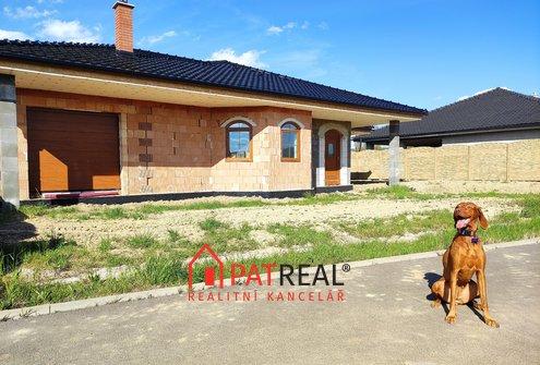 Prodej nadstandardní novostavby bungalovu (252m²) v Hostěradicích, pozemek 1.186 m²
