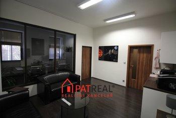 Pronájem luxusních kanceláří, 160 až 320m² v žádané lokalitě