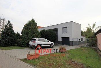 RD 4+1, zahrada, garáž, parkování, v dosahu Brna, pozemek 579 m²