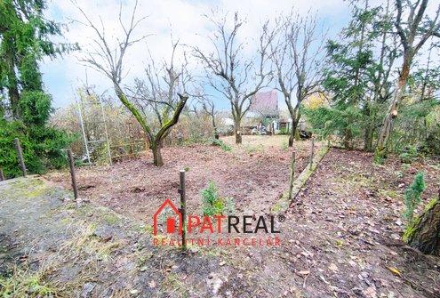 Prodej zahrady 1112 m² se zděnou chatou 56 m² - Želešice