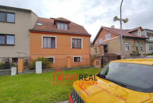 Prodej rodinného domu 4+1 s garáží a velkou zahradou - Oslavany, pozemek 733 m²