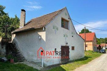 Prodej vinného sklepa s obytným prostorem a se zahradou nedaleko od Brna