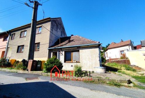 Prodej rodinného domu - 112m² s dvorkem, zahrádkou a garáží  - Dolní Kounice, pozemek 305 m²