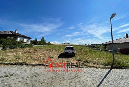 Prodej krásného stavebního pozemku 12km od Brna, Babice nad Svitavou včetně vypracovaného projektu