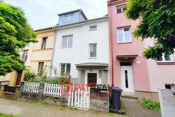 Prodej řadového rodinného domu, 255 m² - Brno - ulice Lieberzeitova, pozemek 131 m²