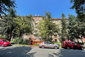 Prostorný cihlový byt v OV 3+1, 75m2 + balkon + sklep v žádané lokalitě