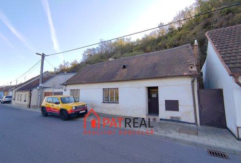 Prodej rodinného domu 3+1 s dvorem - Dolní Kounice, ul. Skalní, pozemek 230 m²