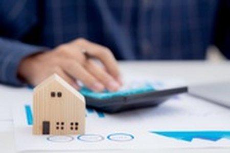 Klesnou ceny nemovitostí a proč se vyplatí prodat právě teď?