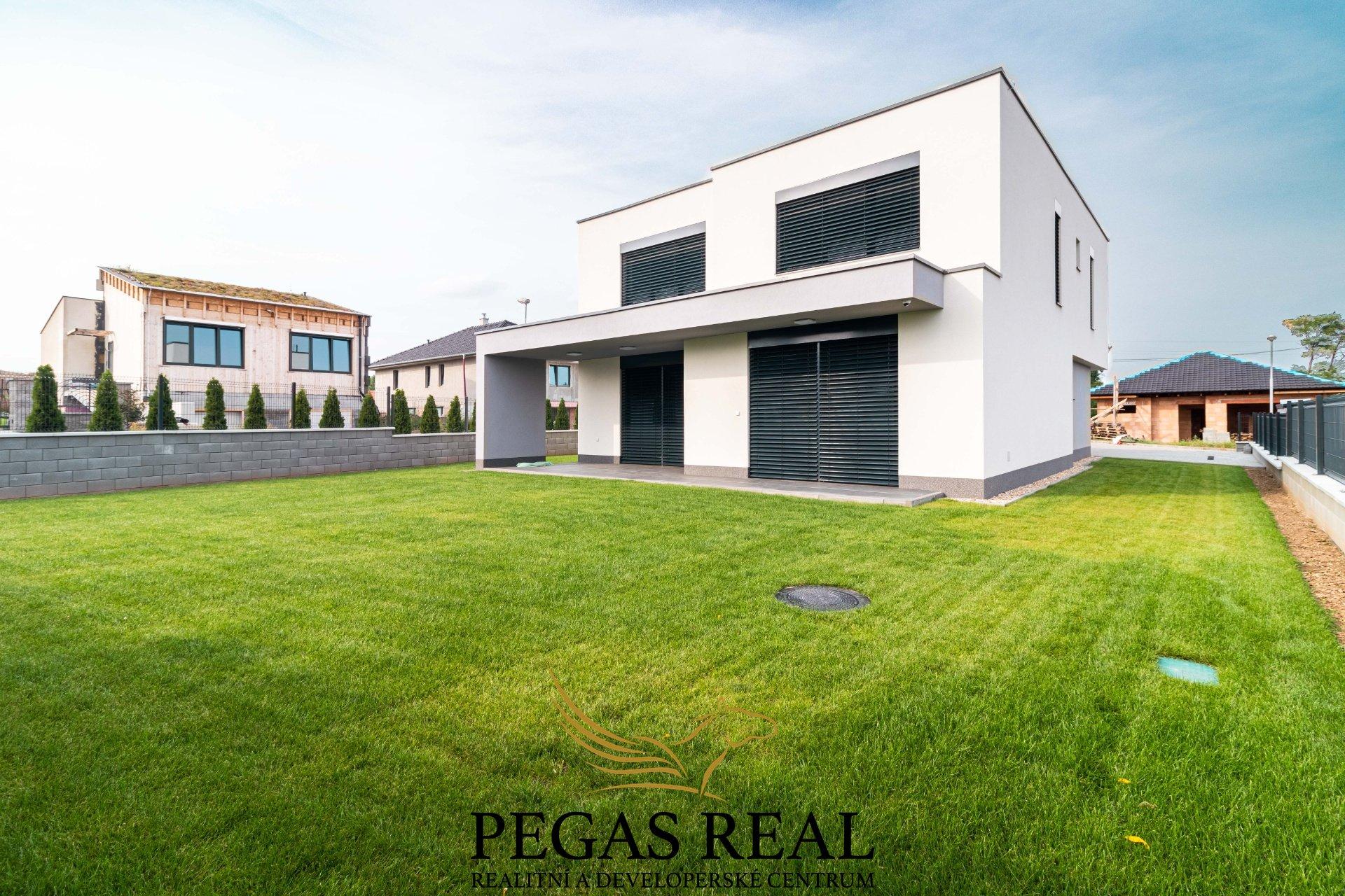 Prodej rodinné domu, 250m<sup>2</sup> – Hrušovany u Brna