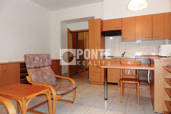 Pronájem bytu 1+kk, 30 m², 3.NP/5NP s výtahem, Náměstí T.G. Masaryka, Poděbrady