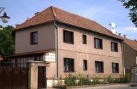 Prodej dvougeneračního domu  6+2, o rozloze 176 m2, na pozemku 805 m2, obec Královice, okres Kladno