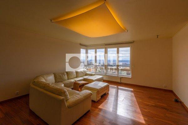 Pronájem bytu 6+1, 211 m², terasa, balkon, zimní zahrada, 2x garáž, Praha 8 - Troja, ul. Velká Skála