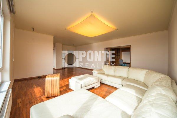 Prodej bytu 6+1, 211 m², terasa, balkon, zimní zahrada, 2x garáž, Praha 8 - Troja, ul. Velká Skála