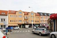 Pronájem obchodních prostor 100 m², Kladno, Poděbradova ul., 1.p., novostavba, cihla