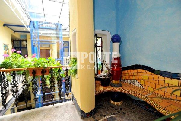 Pronájem bytu 1+1, 38 m², Praha 5 - Smíchov, ul. Viktora Huga, OV, 2.NP, cihla