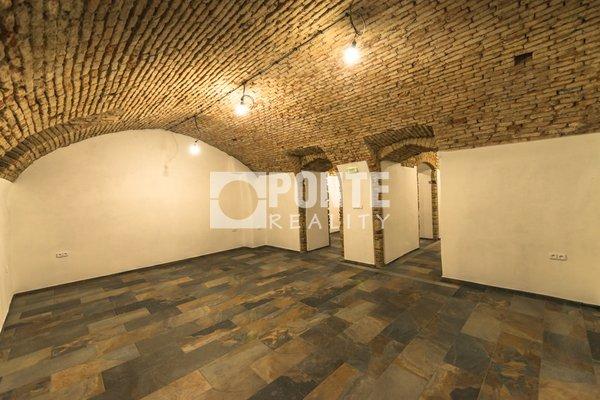 Pronájem nebytových prostorů, 82 m², Praha 1 - Nové Město, ul. Charvátova