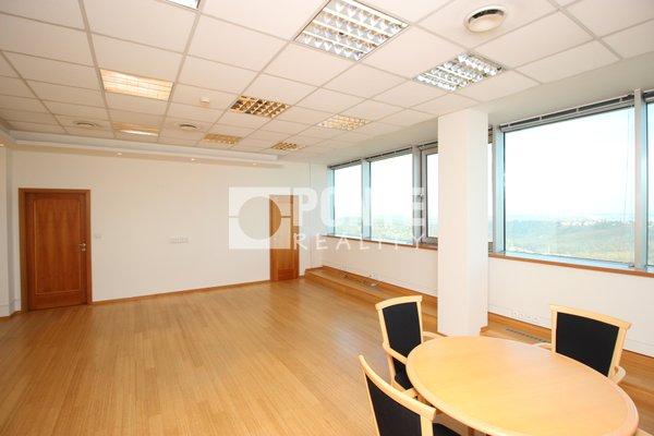 Pronájem kancelářských prostor v administrativní budově Shiran Tower, 60 m2, Praha 6 - Vokovice, ul. Lužná