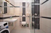 Pronájem bytu 2+kk/L, 53 m², 2.p./4p., výtah, ul. Pod Horkami, Praha 10 - Dubeč