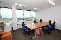 Pronájem 2 kanceláří 48 m2 a 37 m2,  v administrativní budově Shiran Tower, celkem 85 m2, Praha 6 - Vokovice, ul. Lužná