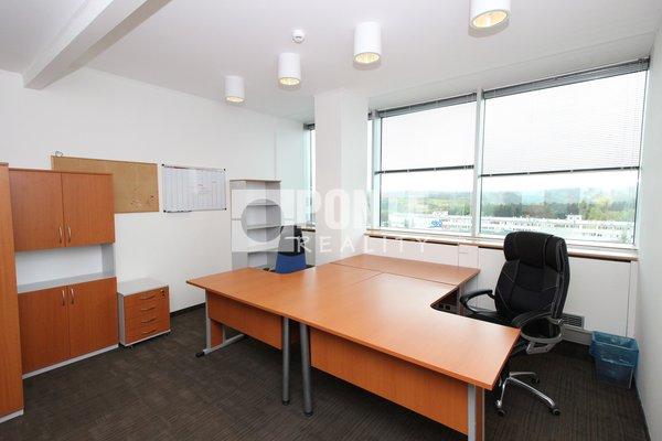 Pronájem kanceláře v open space v administrativní budově Shiran Tower, 15 m2, Praha 6 - Vokovice, ul. Lužná