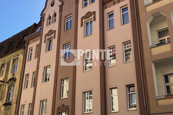Prodej zrekonstruovaného činžovního domu, Teplice - Trnovany