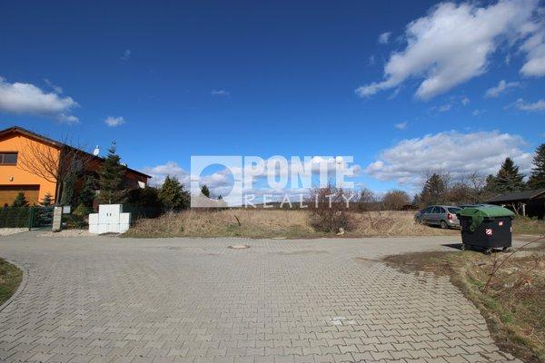 Nabídka prodeje stavebního pozemku 1 100 m2, v obci Trnová, okres Praha-západ