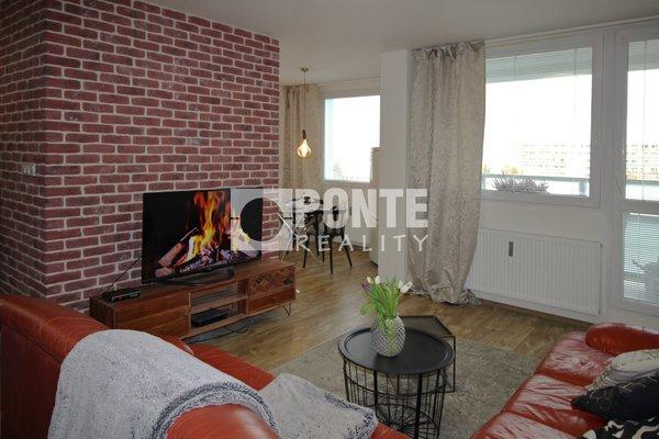Prodej bytu 3+1/2xL, 78 m², ul. náměstí Sítná, Kladno, OV, 4.NP, konstrukce smíšená, mezonet