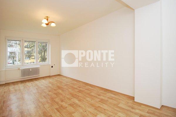 Prodej bytu 2+1/B, 59 m2,  OV, 1.NP, cihlový dům, Čelákovice, ul. Rumunská