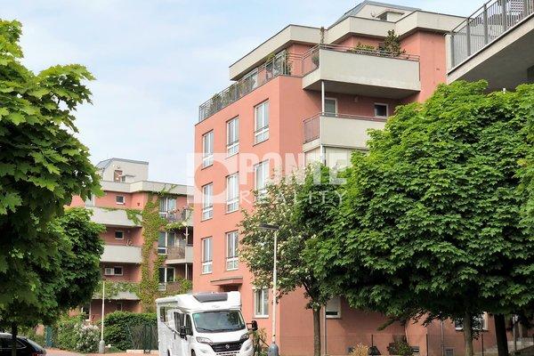 Prodej nadstandardního bytu 96 m2 + terasou 15 m2, Praha 8 - Troja, ul. Vřesová